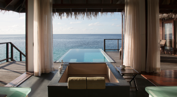 escape-water-villa-bodu-hithi-villas